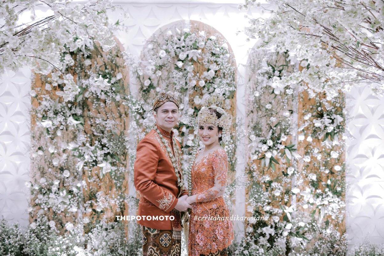 ilustrasi acara resepsi pernikahan